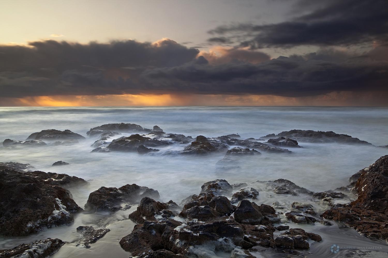 Crashing Waves at Cooks Chasm
