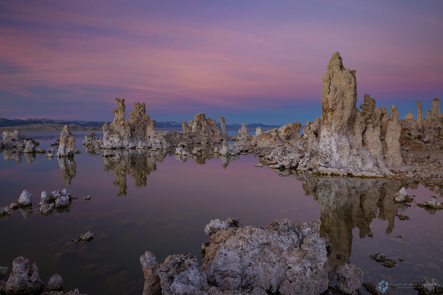 Mono Lake, eastern edge of the Sierra Nevada in California